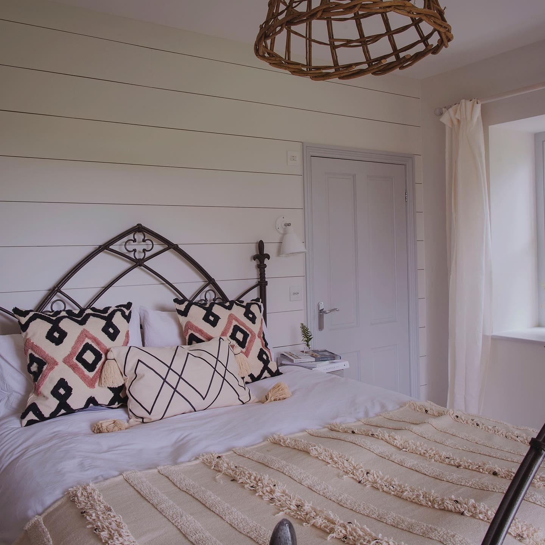 bedroom photo retreat.jpg
