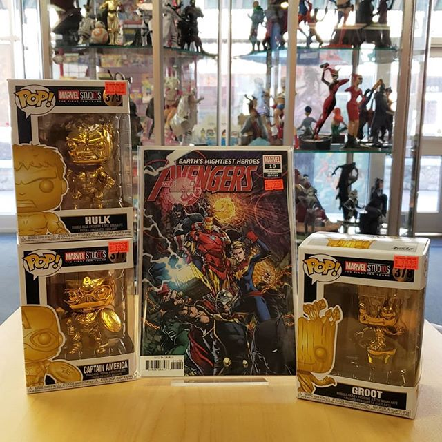 Alright everyone! New #pops have arrived we have some new #goldpops including #groot #hulk and #captainamerica we also have some #holiday pops like #hulk holding a #present and an adorned groot #christmastree come on by and get your #popculture fix here at the #amazingcomicshop