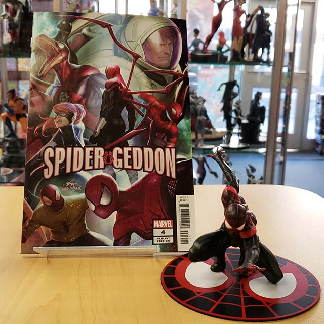 Dont #forget to pick up your new copy of #spidergeddon out today! Check out this #awesome #varriantcover and some of the sweet #spiderman  figs we have in store for all your #spidey needs!!!