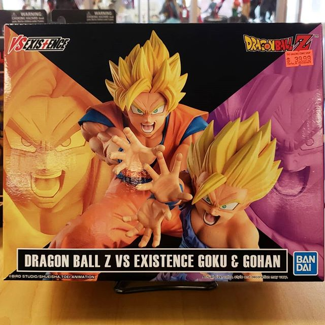 Got in some new #dragonball #figures today #teengohan and his father #goku doing a #kamehameha we also got in #new #dragonstars figures aswell. Including #supersaiyanblue goku #goldenfrieza and #ultimategohan