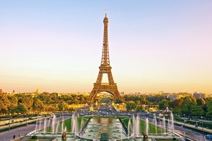 1339501194_Eiffel-Tower-Paris.jpg