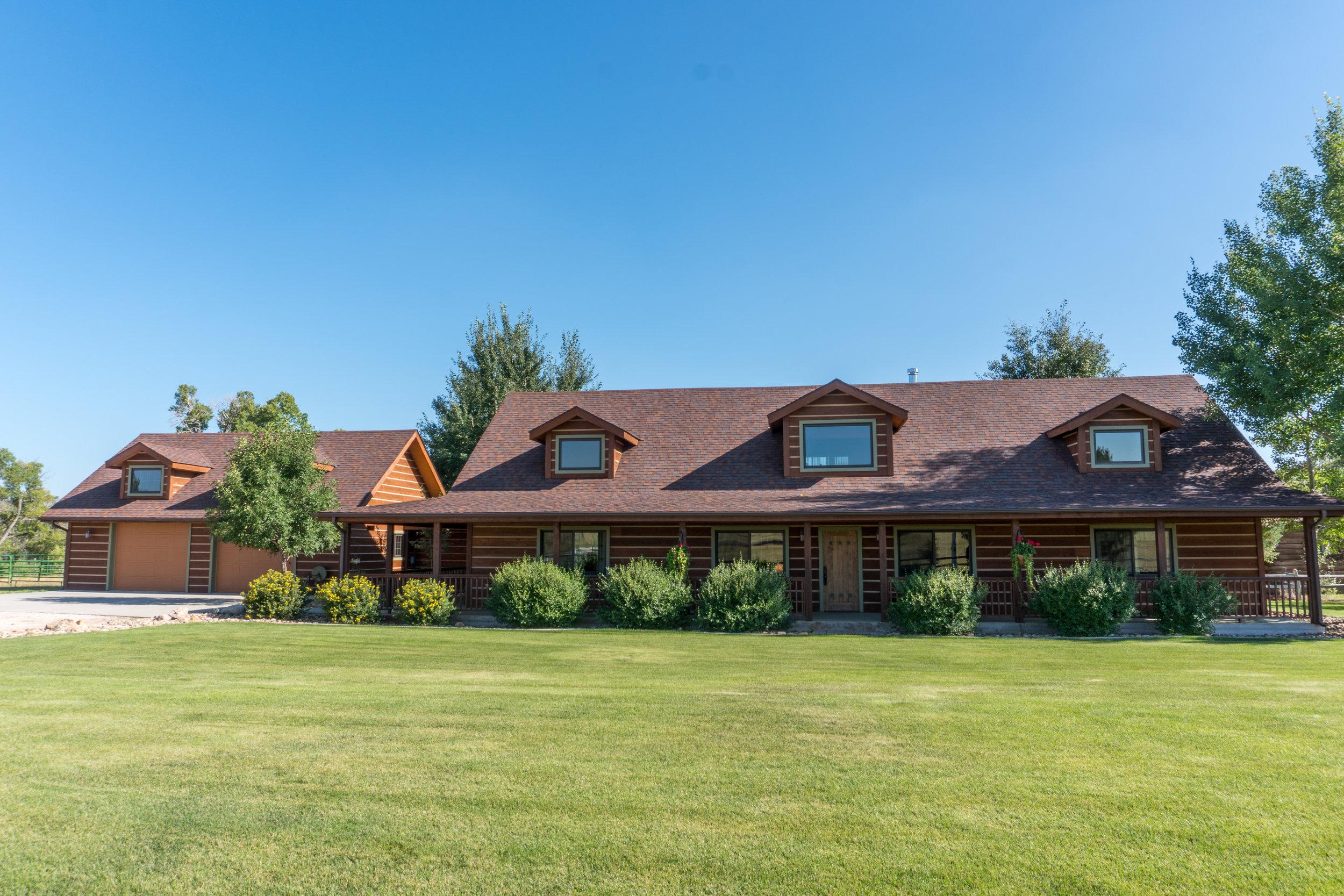 Glendo Luxury Home & Ranch 19.jpg