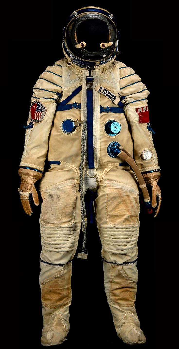 Soviet Space Suit I.jpg