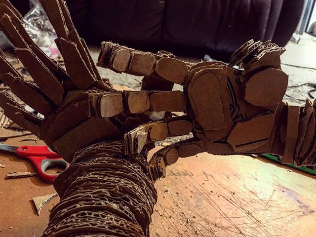 👐🏾 . . . . . . . . . . . . .  #sculpture #art #3D #wood #cardboard #drill #laminate #hands #figure #wip