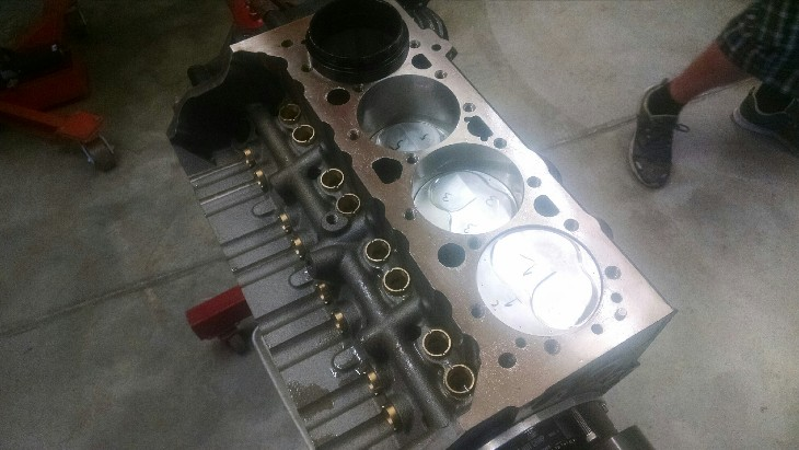 mike_rietow_sbc_all_pro_raised_runner_cylinder_head_build_.jpg