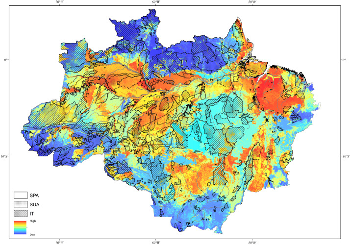 Rank of priority areas for stream-dwelling fish conservation in the Brazilian Amazon and the current PAs network.
