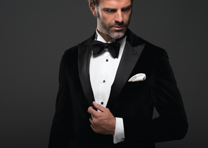Tuxedo jacket in a black velvet cotton from Loro Piana (€1,590), tuxedo shirt in cotton from Thomas Mason (€190), bow tie in silk (€79).