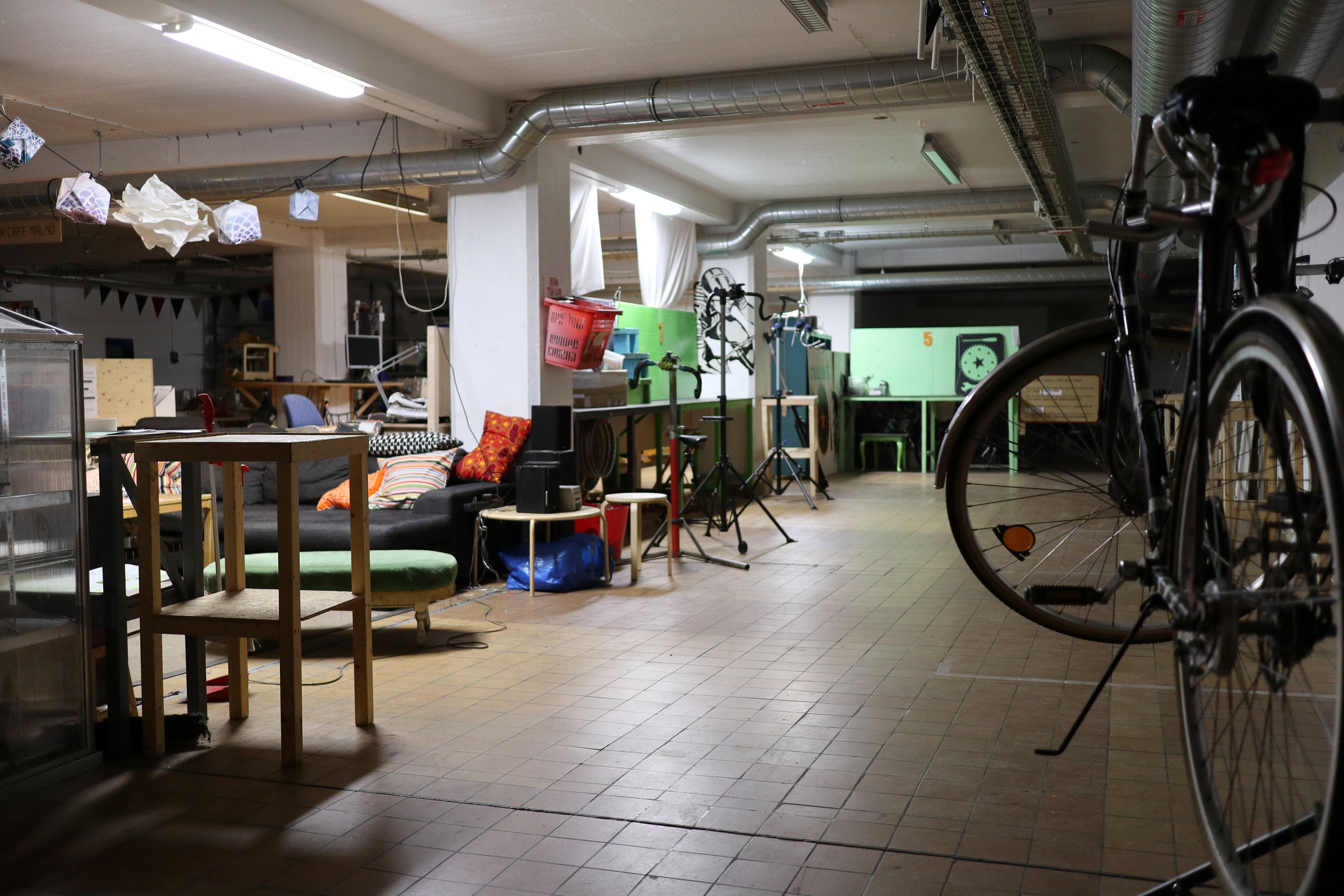 Open Verkstaden - 12.00 - 16.00 (Drop-In)Drop by the basement to fix your bike at Cykelköket or create something new at Malmö Makerspace.