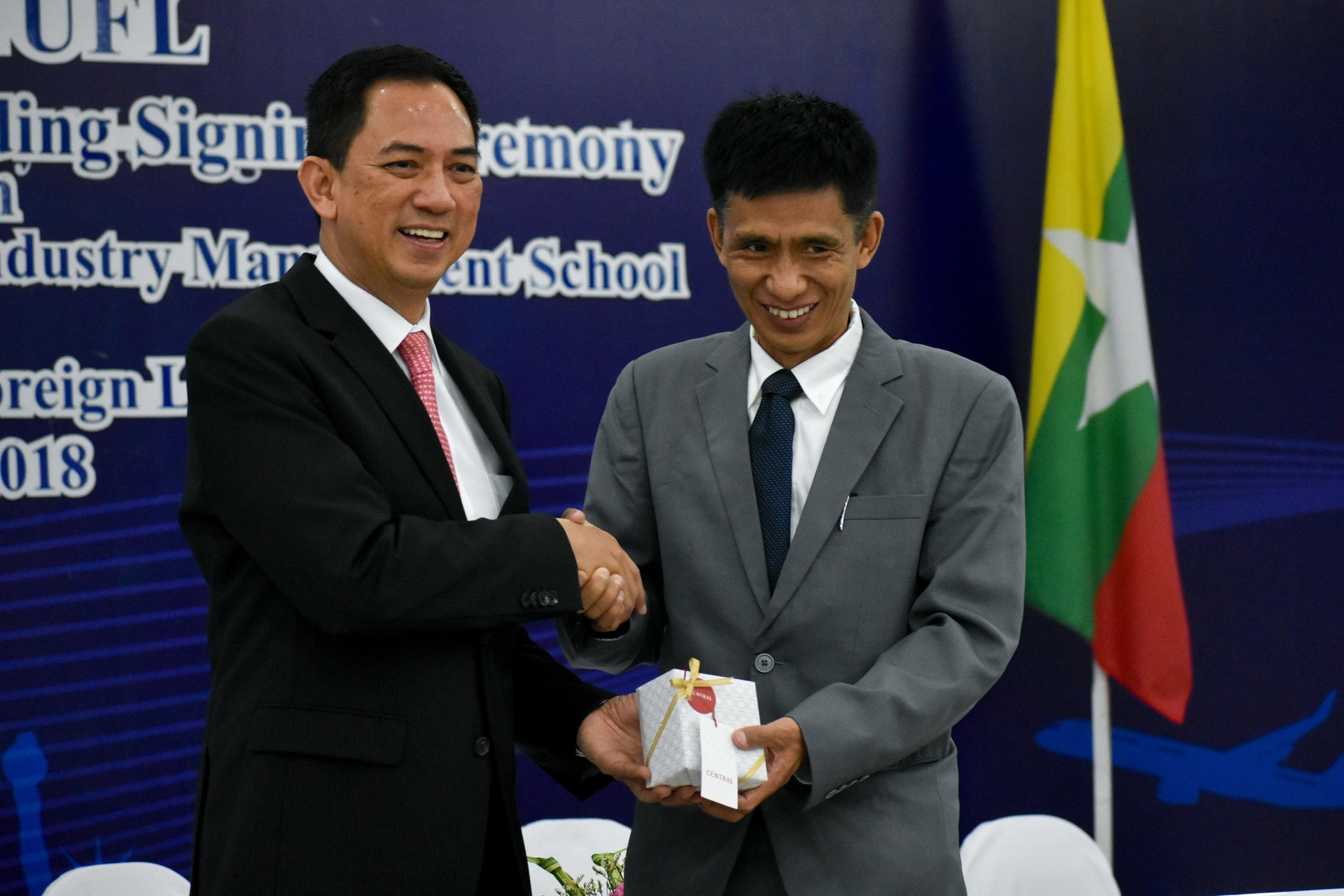 Myanmar Album 2 (23 of 33).jpg