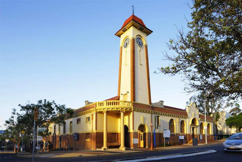 Sandgate_Town_Hall_(8076224299).jpg