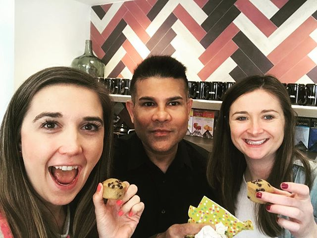 @wework perks: @abesmuffins pop-up with some delicious vegan muffins 🌱#WeWork #abesmuffins #dairyfree #vegan #nutfree