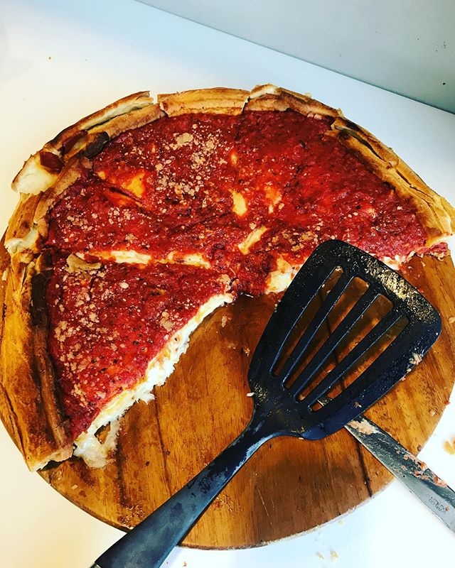 When in research in Chicago, order @giordanospizza deep dish pizza for lunch 🍕#inthefield #chicagopizza #deepdish #workperks
