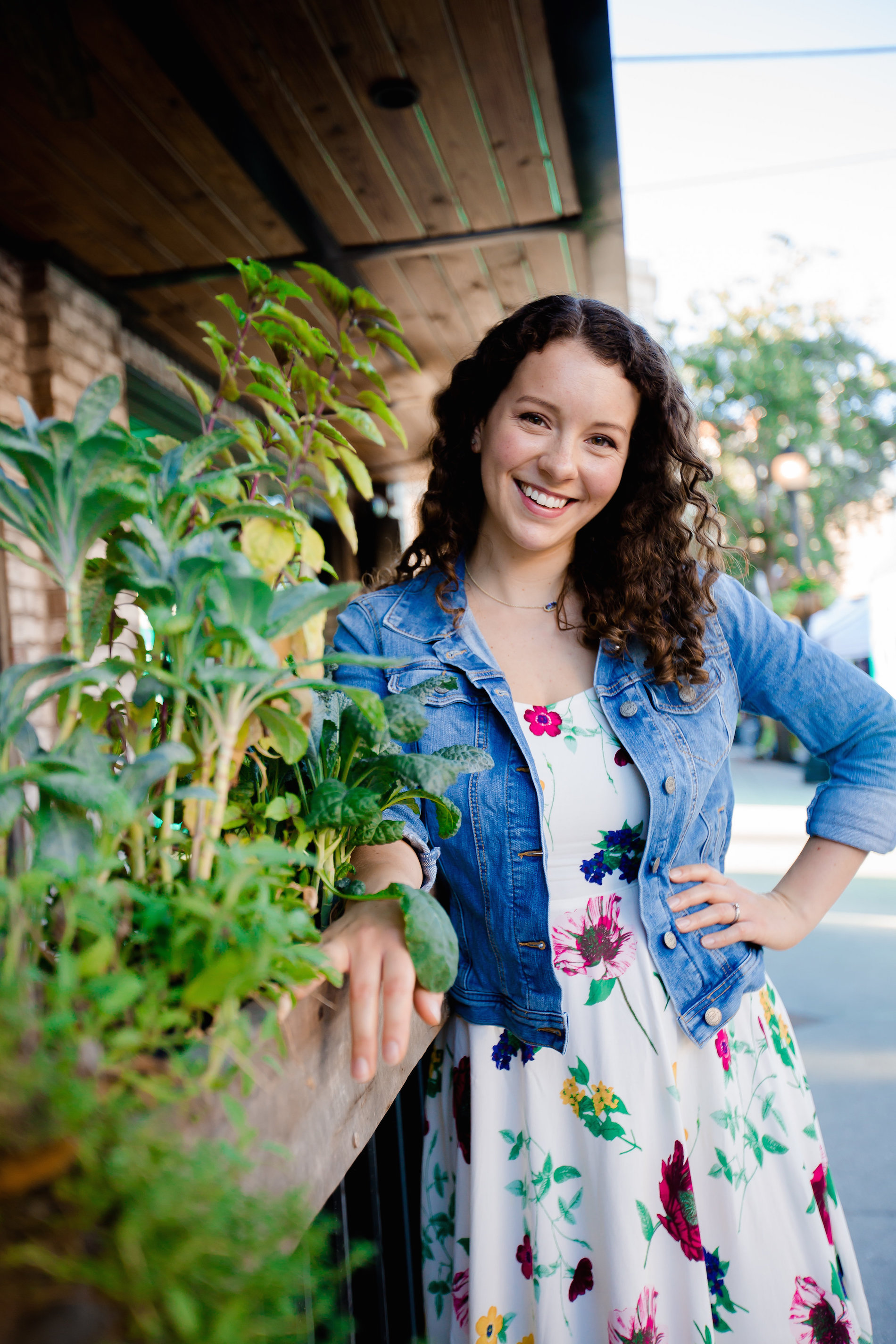 Christina is a certified Integrative Nutrition Health Coach and a plant-based home cook.