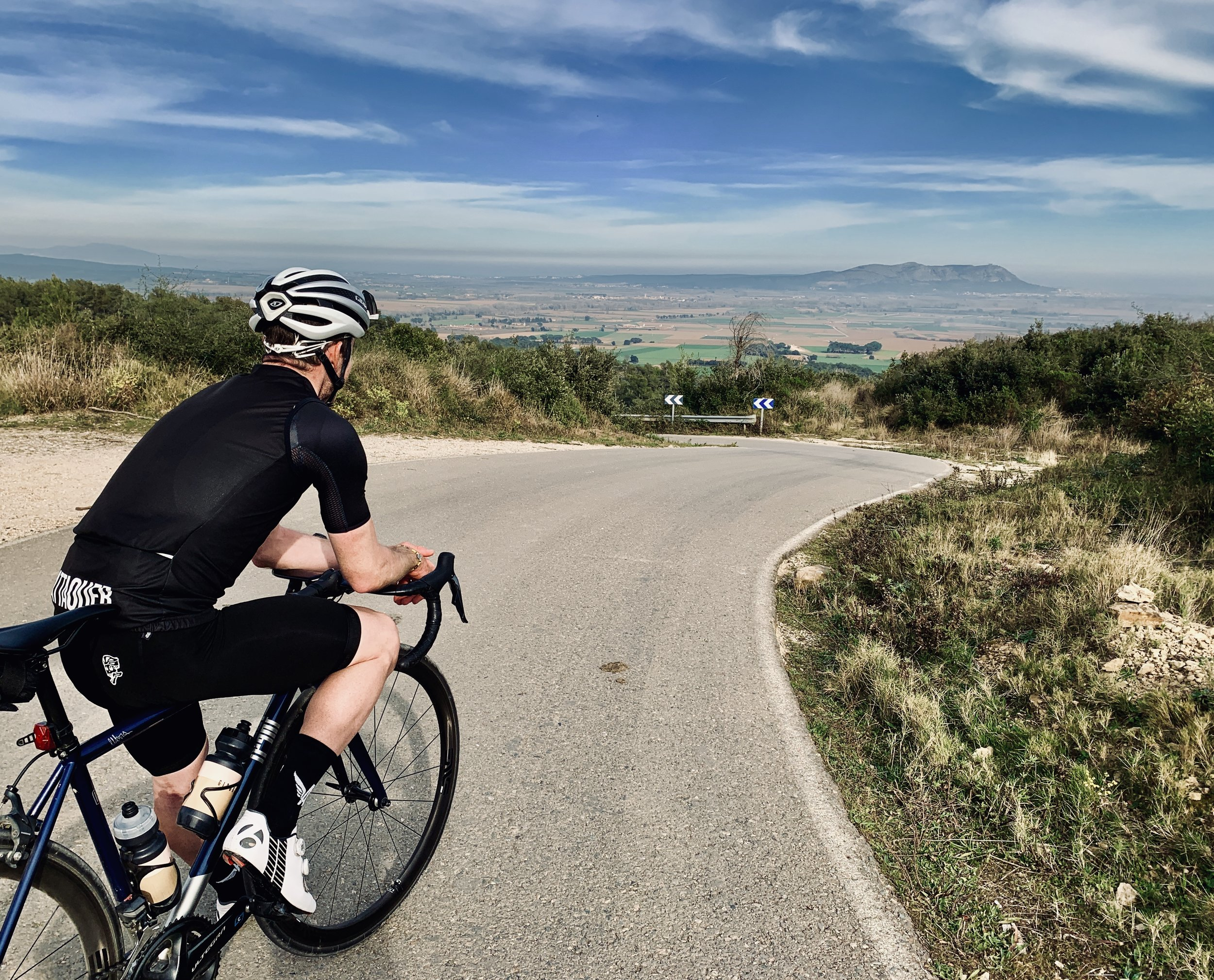 A man and his bike: clocking in 27,500 km last year, suffice it to say that Tristan Cardew is an expert when it comes to Girona's best roads