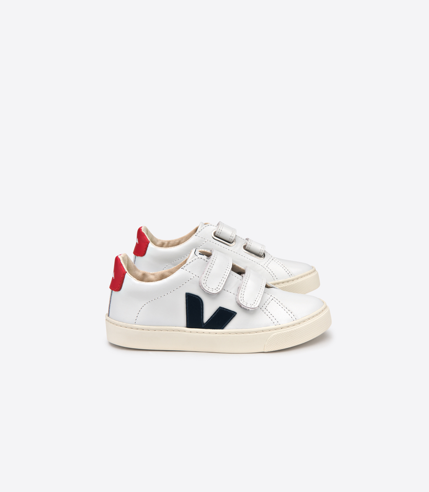 VEJA - The VEJA project creates a positive chain of production and use.VEJA makes sneakers differently, using organic & fair trade cotton for the canvas of the shoes and wild & fair trade rubber for the soles.VEJA manufactures their shoes in a high standard factory in Brazil. Their philosophy is to mix minimalist aesthetics & innovative technologies.At INC, we offer you a selection of styles in canvas and leather for kids made with respect for people and planet.