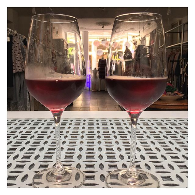 Thank you for making our last day so very special! You know who you are😉 Santé to the future! . . . #lastday #incfashionamsterdam #boutique #boutiqueshopping #amsterdam #thankyou #dearcustomers #santé #cheers #happyweekend #closingshop