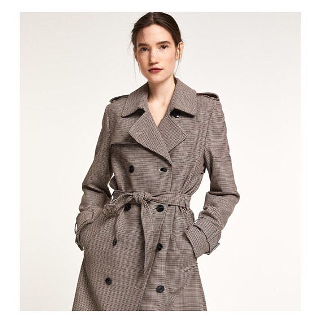 CLOSED's timeless, gorgeous wool blend check trench ~ only size L left, suitable for size 38/40 at 50% off the original price. Cinch the belt to size and wear this all time classic for years to come. ❤️❤️❤️ . . . #closed #closedofficial #trenchcoat #fallcollection #timelessstyle #womensfashion #style #fashion #sale #incfashionamsterdam #finalsale #clearance #onlineshopping #shoppingonline #weshipworldwide
