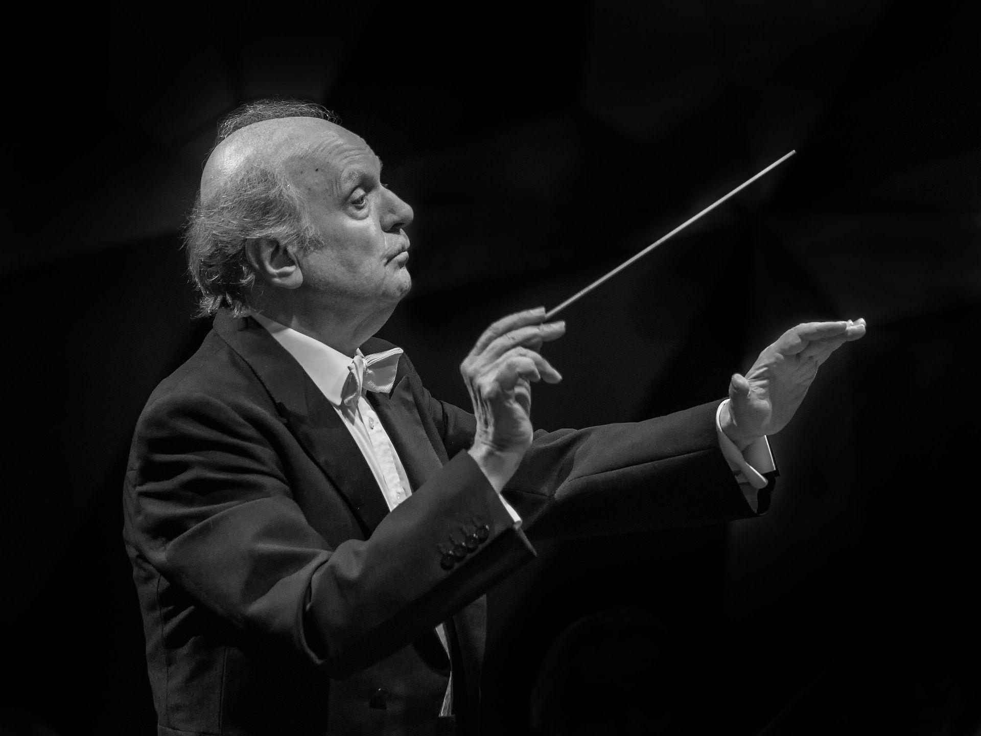Marek Janowski - er en tysk dirigent. Han er fra 2002 kunstnerisk leder for Rundfunk-Sinfonieorchester Berlin. Fra 2005 til 2012 var han også leder av Orchestre de la Suisse Romande i Genève. Janowski er gjestedirigent for Pittsburgh Symphony Orchestra.Foto: Reinhold Möller