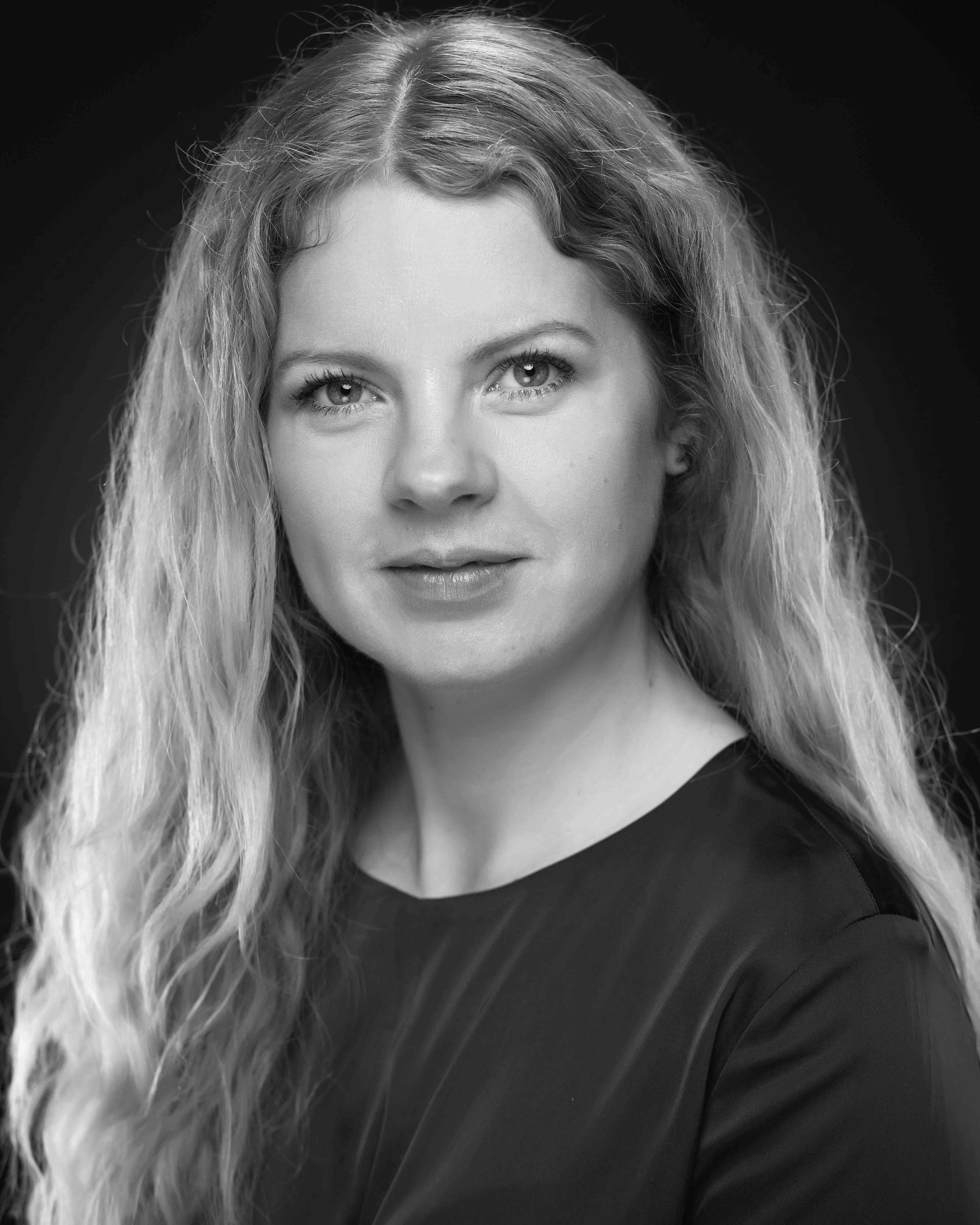 Anne H. Aavatsmark - er utdannet fløytist og jobbet flere år i Oslo Filharmonien. Siden 2012 har hun jobbet administrativt i ulike ensembler i tillegg til å ta en Executive master of management på BI, hvor hun blant annet skrev om innovasjon og næringsdrift innen klassiske- og samtidsensembler. Aavatsmark var initiativtaker og medutvikler av Mozart-byen, en spillbasert digital læringsplattform om klassiske instrumenter for Salaby.no/Gyldendal. I dag er hun daglig leder for Ungdomssymfonikerne, bookingagent for Oslo Strykekvartett og jobber som konsulent for Crescendos mentorprogram.