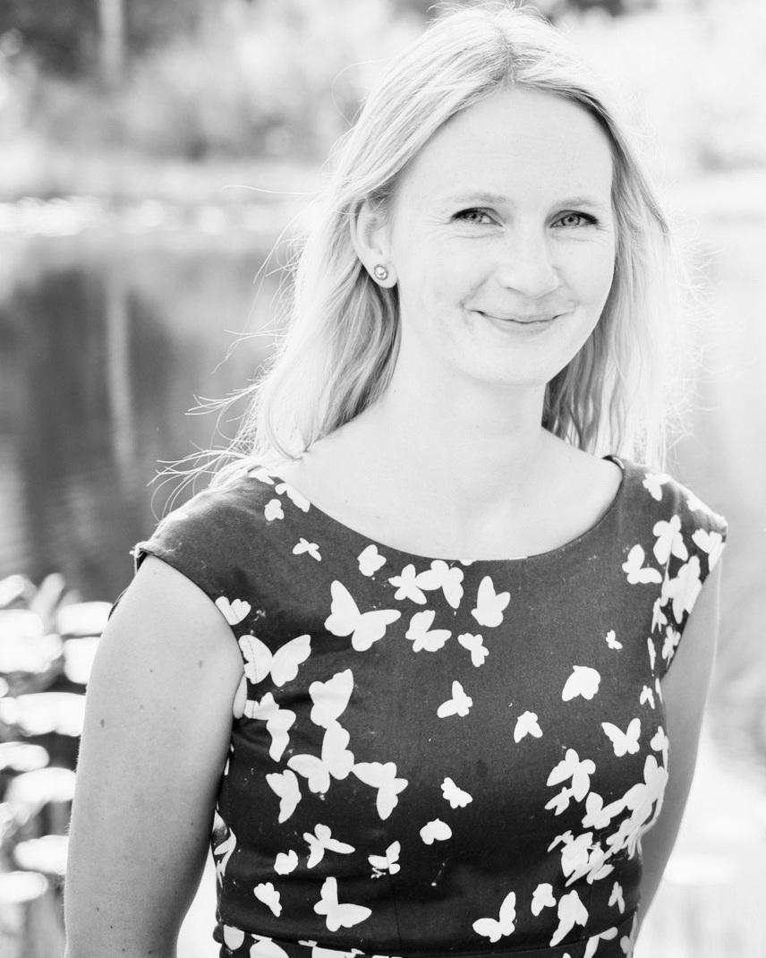 Therese Birkelund Ulvo - har studert komposisjon ved Norges musikkhøgskole og Guildhall School of Music and Drama i London. Musikken er inspirert av andre kunstfelt, som film, tekst og lydkunst. Hun har et nært forhold til norsk tradisjonsmusikk, der man kan finne både det mikrotonale, det rapsodiske og åpne former. Ulvo har vært involvert i Hardanger Musikkfest i ulike roller siden 1999, og overtok i 2014 den kunstneriske ledelsen sammen med Tora Augestad