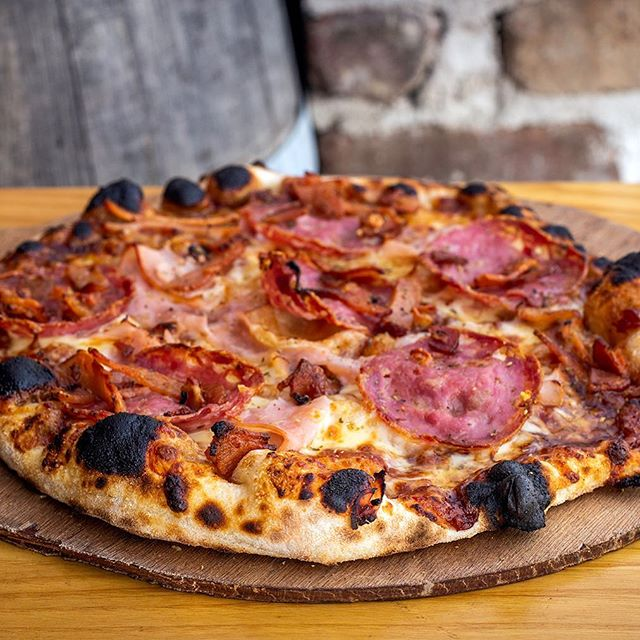 Woodfired BBQ Meat! 🥩 🍕 #howboutdat #meetyourmeat #smokedham #salami #bacon #bbq #mozzarella