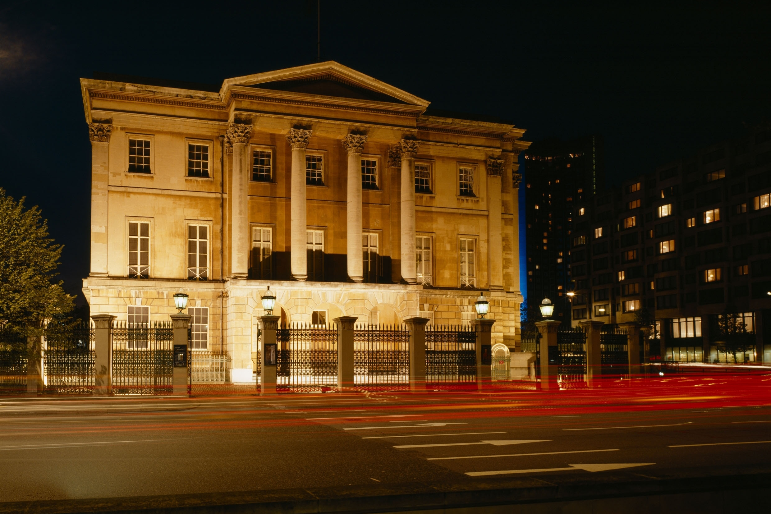 APSLEY HOUSE - A Private Candlelit Tour of Number One, London, Home to The Duke of Wellington
