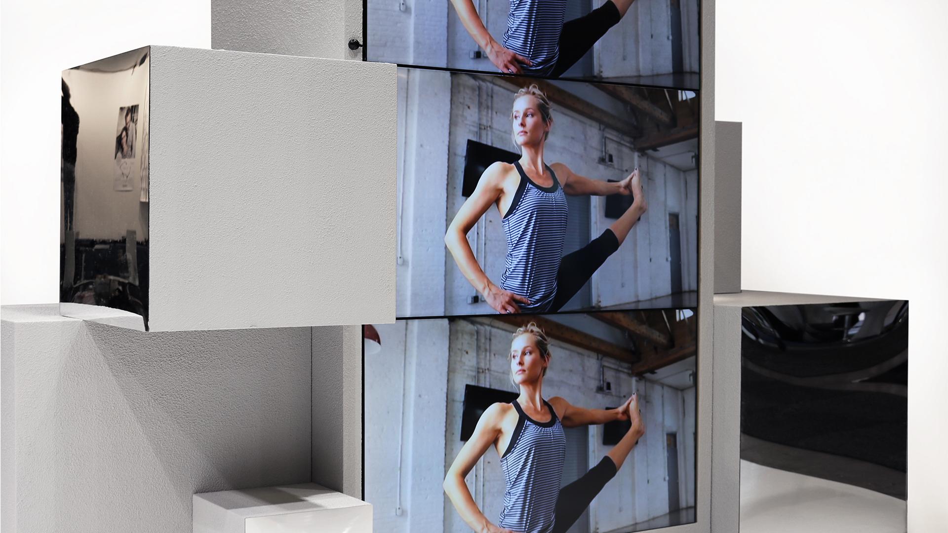 exhibition_stand2.jpg