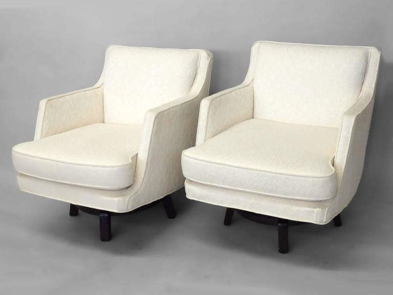 white_swivel_chairs_d3_l.jpg