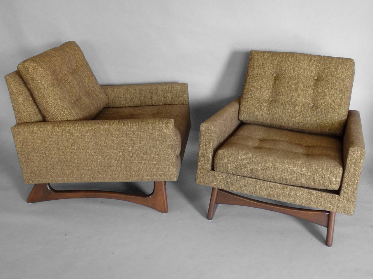 pearsall_lounge_chairs_d5_l.jpeg