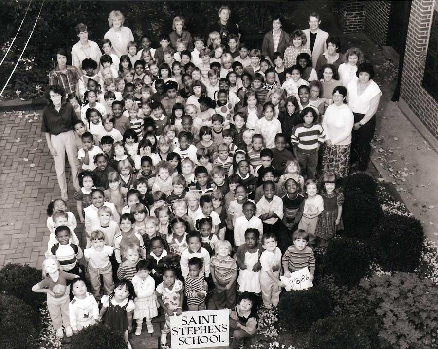 1986-1987-group-outdoor.jpg
