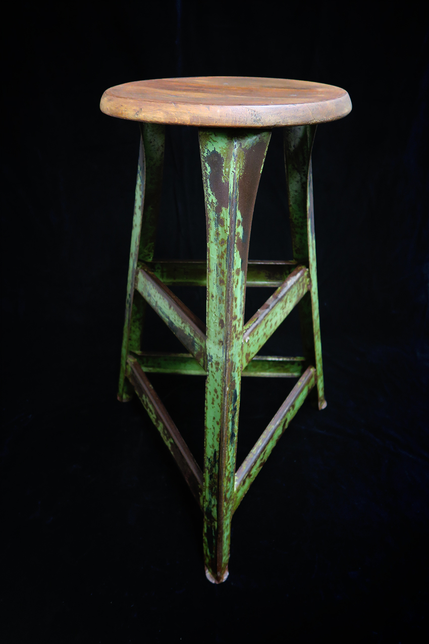 Arbeitsstuhl hoch - Eisen, Holz, Fa.RowacVERKAUFT