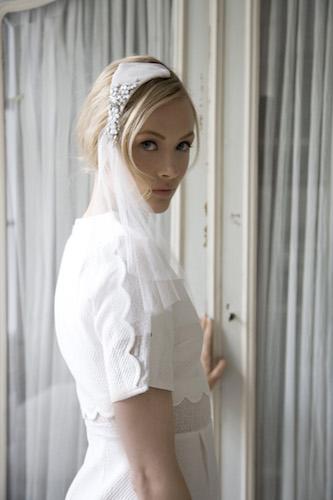 Bridal-Swarvoski-crystal-headpiece-with-veil.jpg