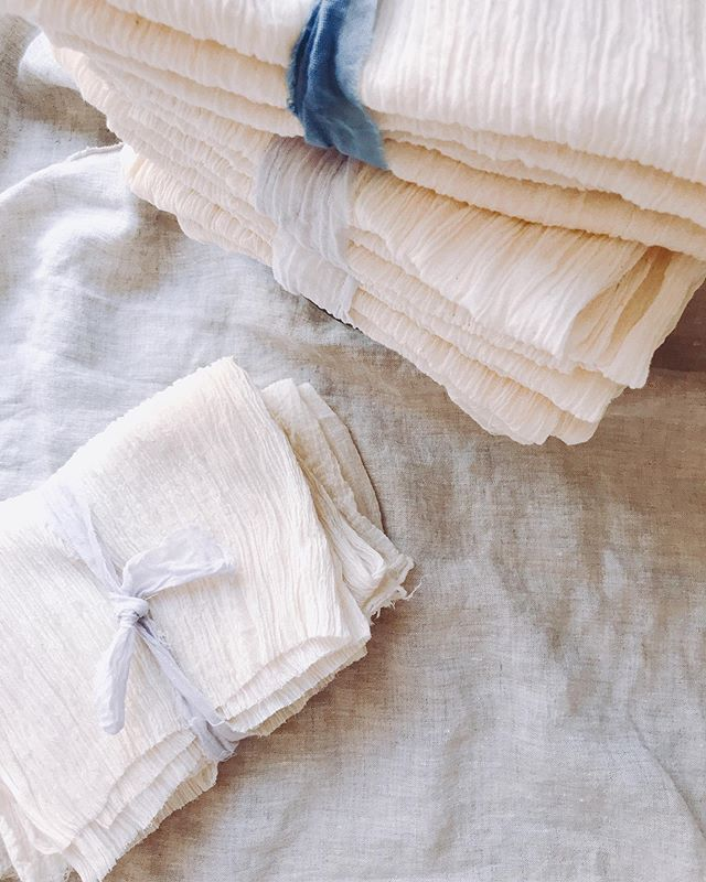 We're having a sample sale this Saturday! Swing by to snag these crinkle napkins, linen runners, and even fabric so you can make whatever you want!⠀ ⠀ Details:⠀ Saturday, 9/28⠀ 12-4 PM⠀ 67 West Street, Studio #317A⠀ Brooklyn, NY⠀ ⠀ Goodies from @apprvl @ivyivyivyivy @dustyrosevintage @burninforyoustudio will also be available. These Brooklyn based businesses (BBBs 😊) have everything from candles to bags to vintage clothes!