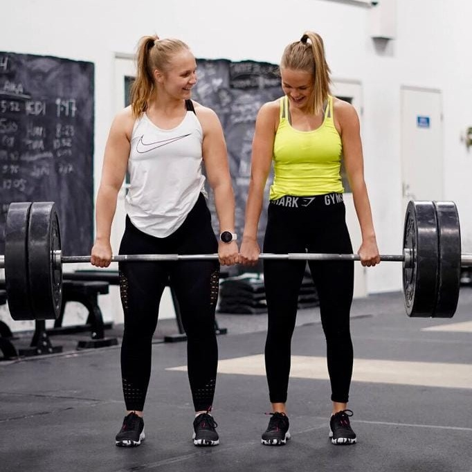 CrossTraining ulkotreenit - CrossTraining ulkotreenit tarjoavat kaikenkuntoisille liikuntakykyisille nuorille ja aikuisille toiminnallista treeniä rennossa ilmapiirissä monen vuoden liikuntakokemuksella. Olemme suunnitelleet kaikki treenit valmiiksi ja tavoitteenamme on saada mahdollisimman moni oululaisista innostumaan liikkumisesta. Lisätietoja treeneistä löydät ohessa olevasta linkistä!
