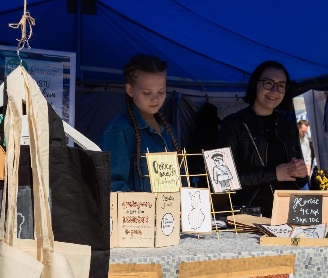 Vasemmalla kuvassa Anni Korpi ja oikealla Kitte Rajander. Kuvan on ottanut  Jani Hokki .