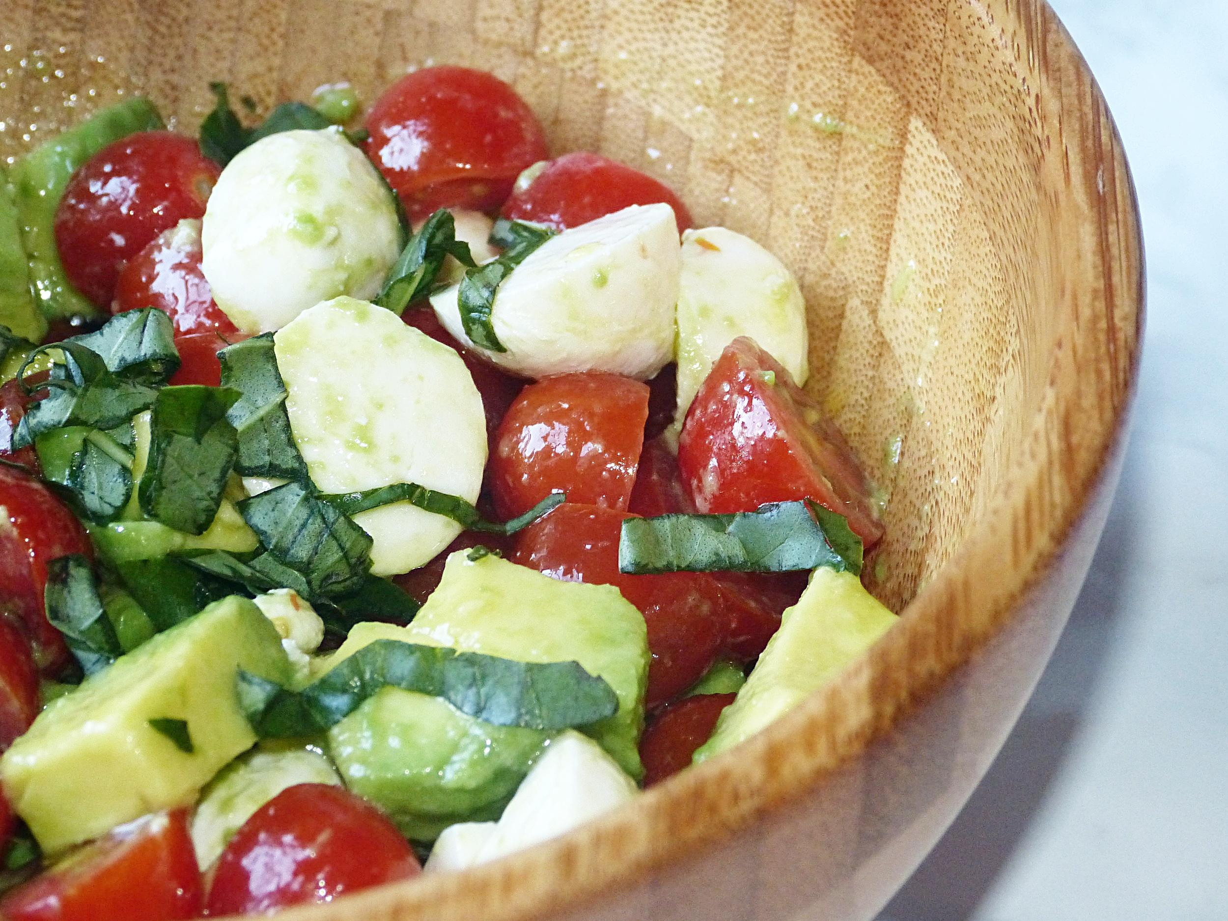 Avocado Caprese Salad -
