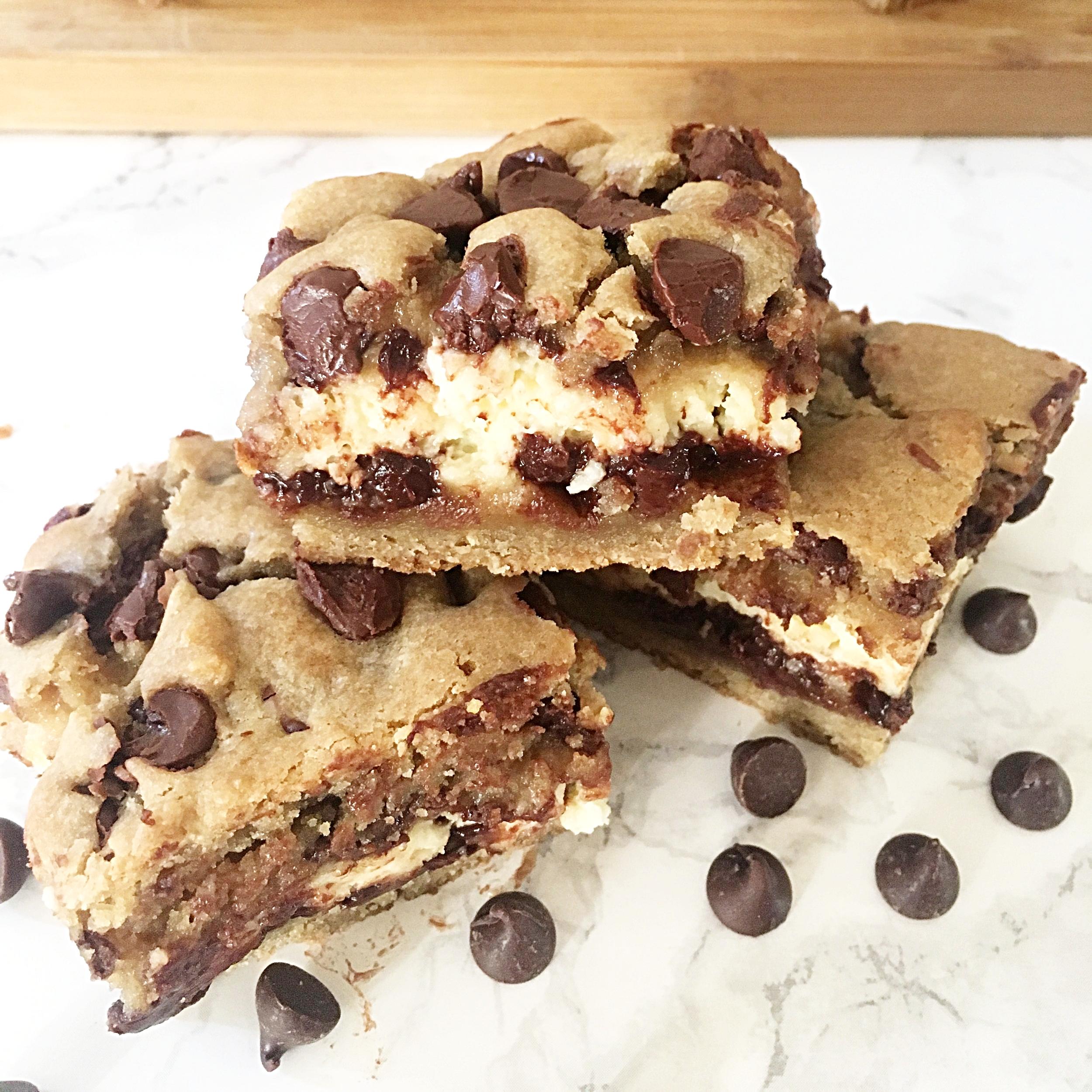 Chocolate Chip Cookie Dough Cheesecake Bars -