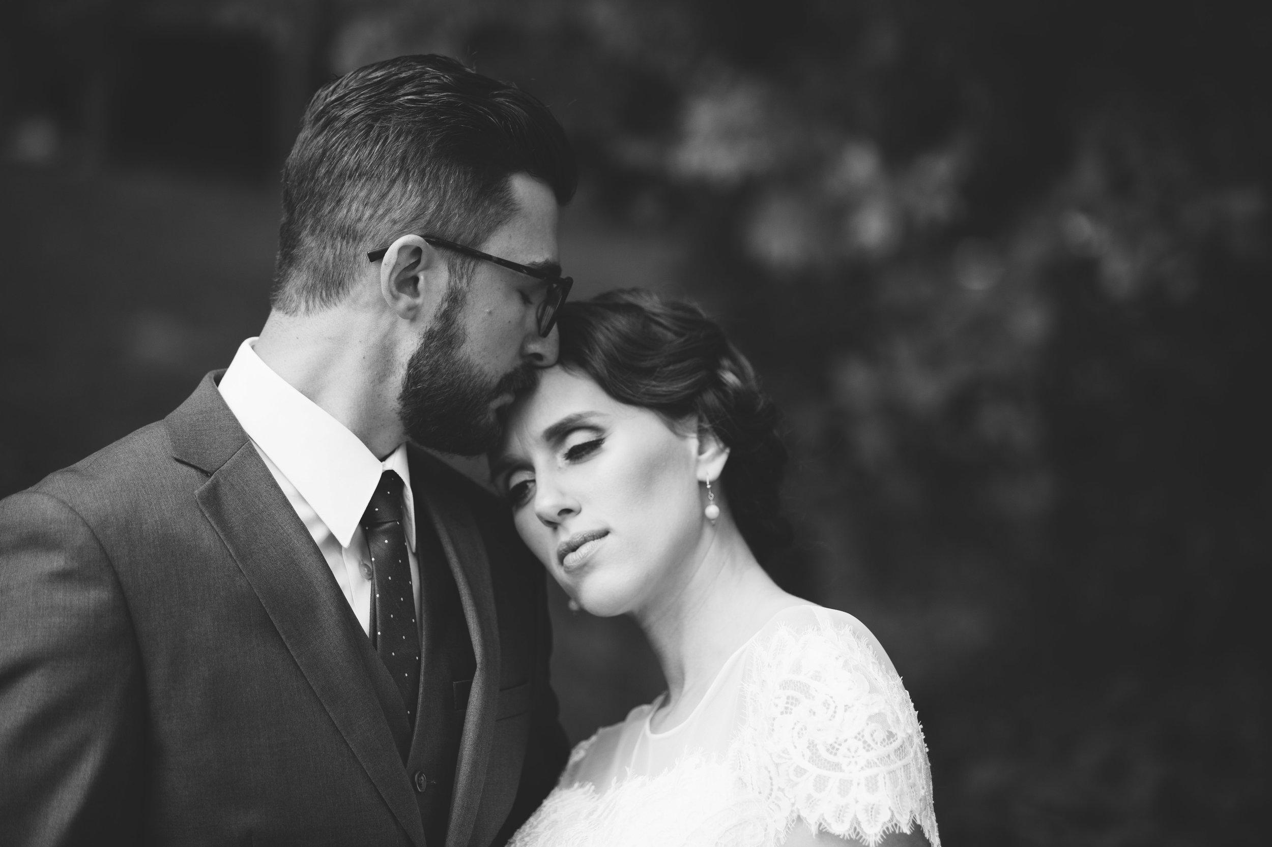 grand_rapids_wedding_rockford_wedding_richard_app_gallery_wedding_grand_rapids_wedding_photographer_summer_wedding_wabasis_lake_park_wedding_rustic_wedding-14.jpg