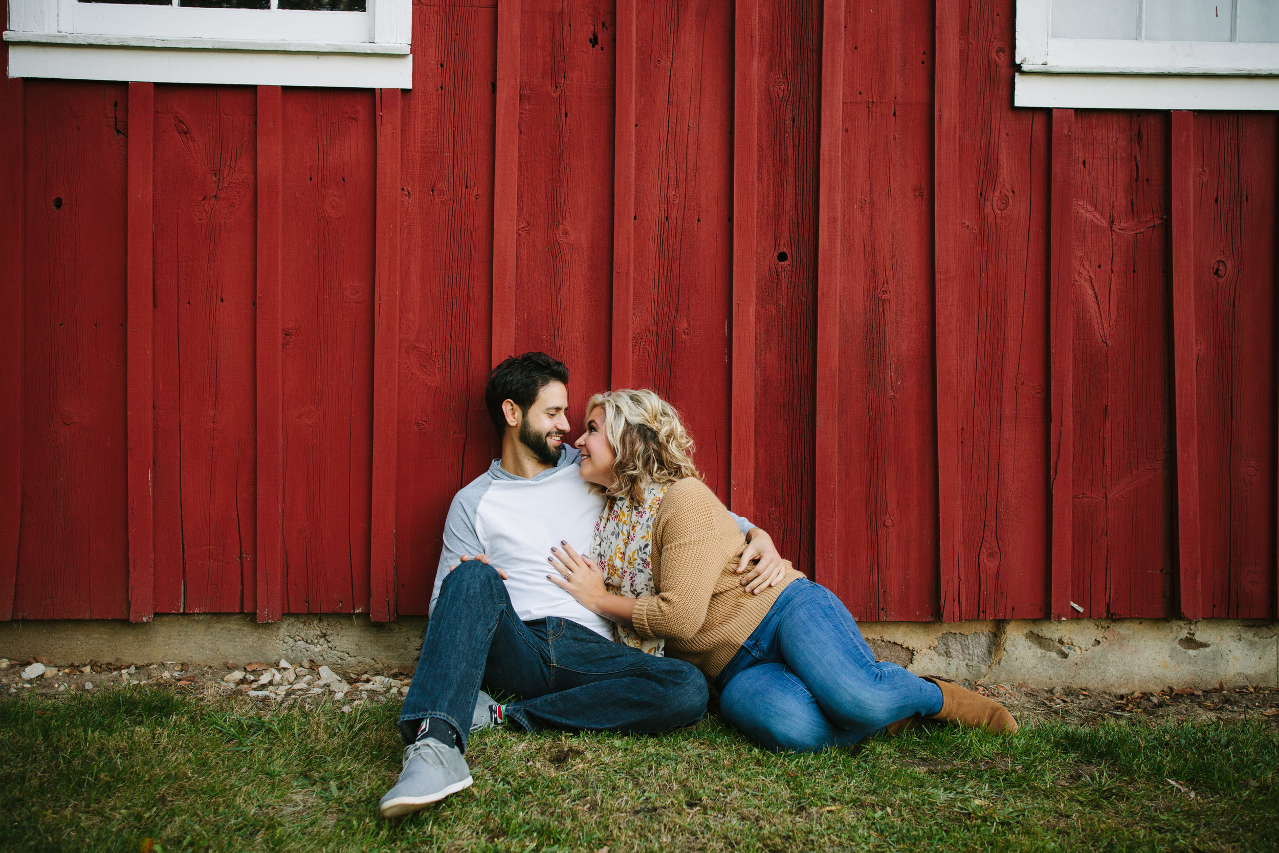 charltonpark_engagementsession_grandrapidsphotographer_grandrapids_hastings_michiganwedding_fallengagement_fallwedding_jdarlingphoto_jessicadarling_westmichiganphotographer_wedding_fall_rusticwedding  005.jpg