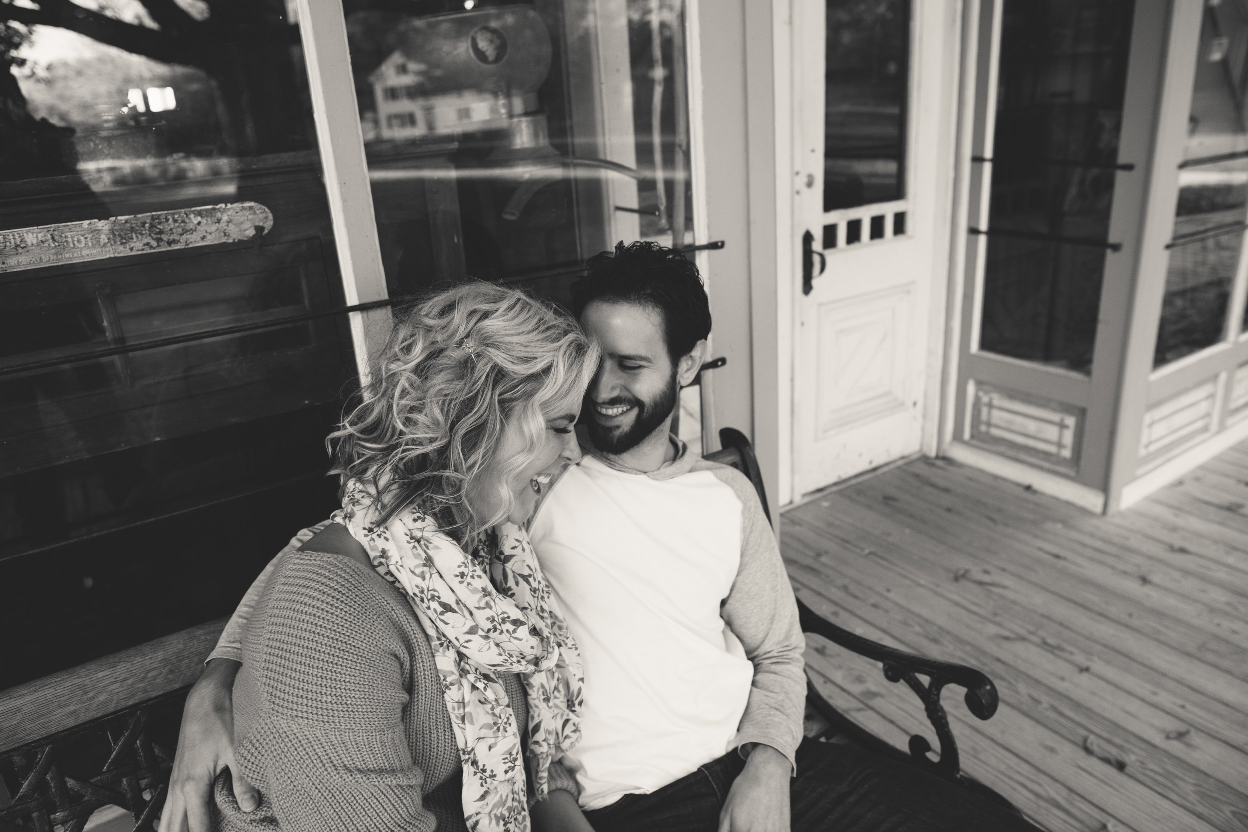 charltonpark_engagementsession_grandrapidsphotographer_grandrapids_hastings_michiganwedding_fallengagement_fallwedding_jdarlingphoto_jessicadarling_westmichiganphotographer_wedding_fall_rusticwedding  008.jpg