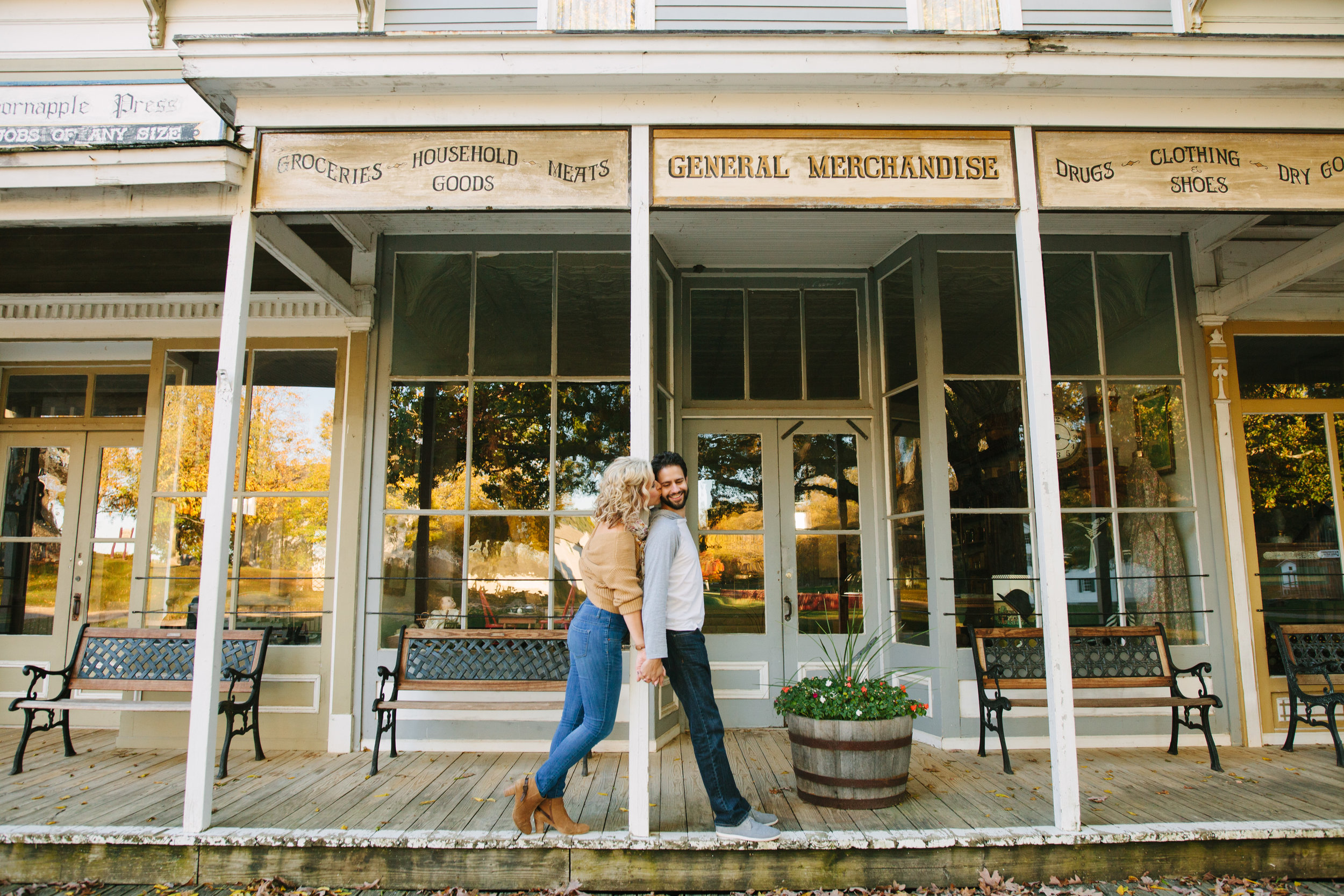charltonpark_engagementsession_grandrapidsphotographer_grandrapids_hastings_michiganwedding_fallengagement_fallwedding_jdarlingphoto_jessicadarling_westmichiganphotographer_wedding_fall_rusticwedding  011.jpg