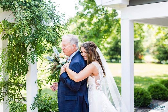 Happy Father's Day!! 🥰 We love seeing all of these pictures from our brides' weddings with their fathers... it truly makes our hearts so, so happy ☺️ Keep sharing and don't forget to tag #MGCrealbrides so we can see too! (Pictured is our bride, Elizabeth!) . . Venue: @mustardseedgardens  Photography: @labrisaphotography