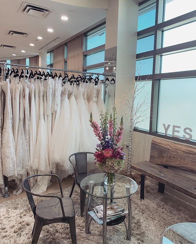 Happy Saturday! 🥰 It's a beautiful day outside (& inside!) and we can't wait to meet all of our brides! One appointment left this afternoon at 4:30PM for one lucky bride - call now!