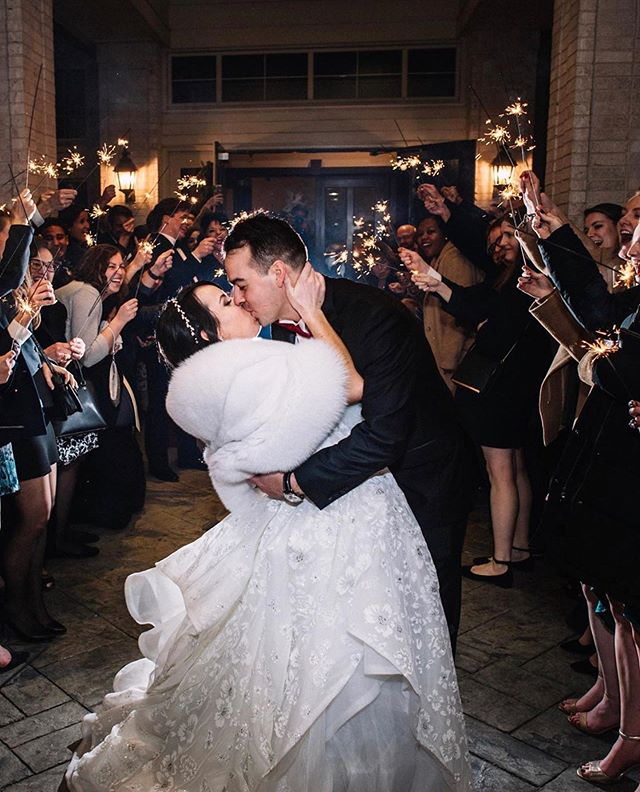 We hope everyone had a wonderful 4th of July! 🥰✨ We'll be back open tomorrow to regular store hours and can't wait to meet our brides! In the meantime, enjoy this magical sparkler exit 🤗 . . Photography: @stacyablephotography