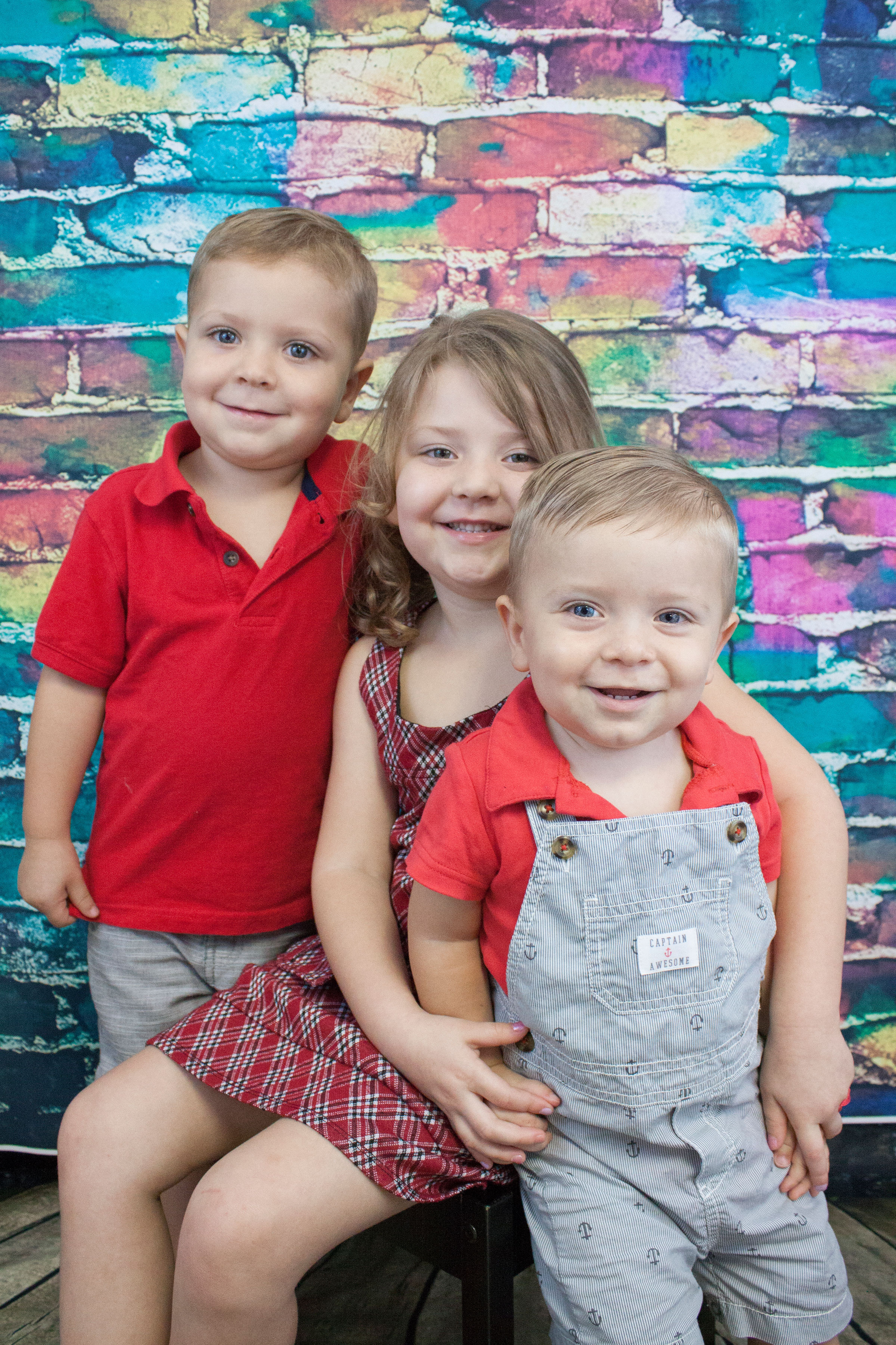 Sibling Packages are available:   *2 Individual Prints Packages + Siblings Prints Package - $60.00  *2 Individual Prints Packages + Siblings Digital Download - $30.00  *Siblings Only Prints Package - $25.00  *Siblings Only Digital Download - $15.00