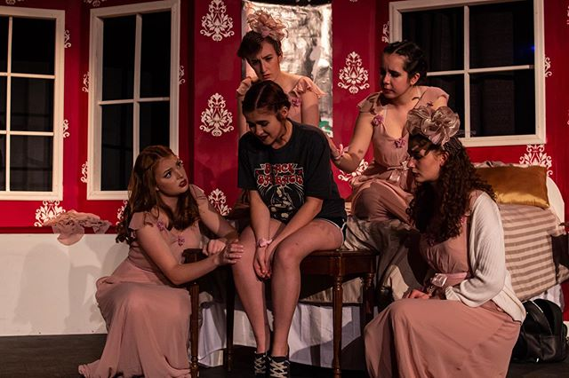 Happy opening to FIVE WOMEN WEARING THE SAME DRESS! You won't want to miss this hilarious show, tickets available at troupefive.eventbrite.com 👗👗👗👗👗 📸: @robertbranning