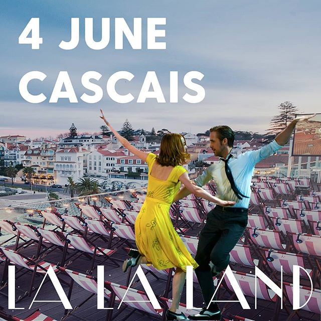 This week we return to our second venue: the beautiful rooftop terrace and hotel bar of @hotel_baia_cascais 😍  Our opening event 'Bohemian Rhapsody' is sold out, but no worries: we have a lot more coming up!  Tickets for 'La La Land', 'The Persuit of Happyness', and 'BlackKklansman' available in our webshop: link in bio! ⬆  Pick your favorite and join us under the Cascais skies 🌙