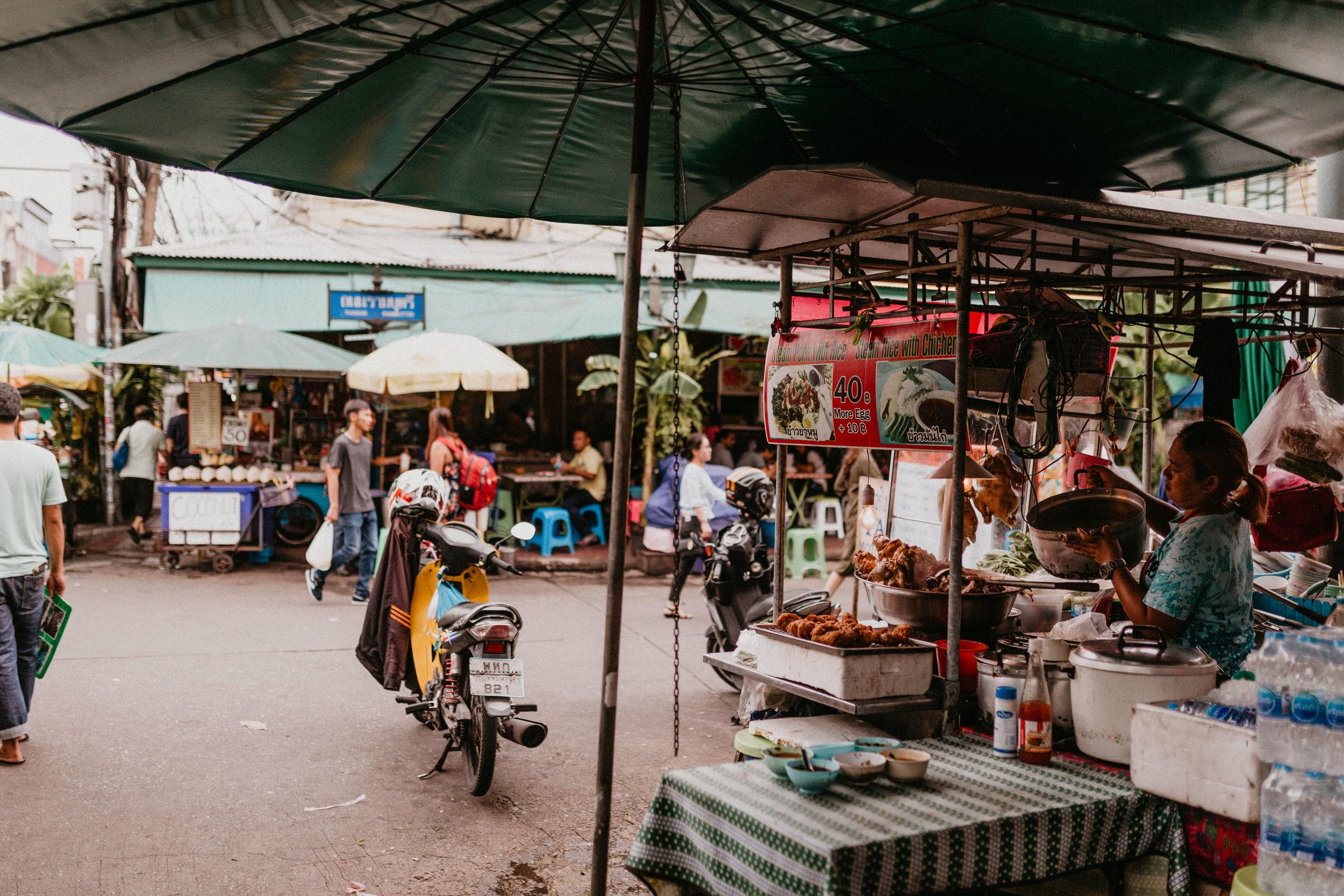 Open markets on Khao San Road.jpg
