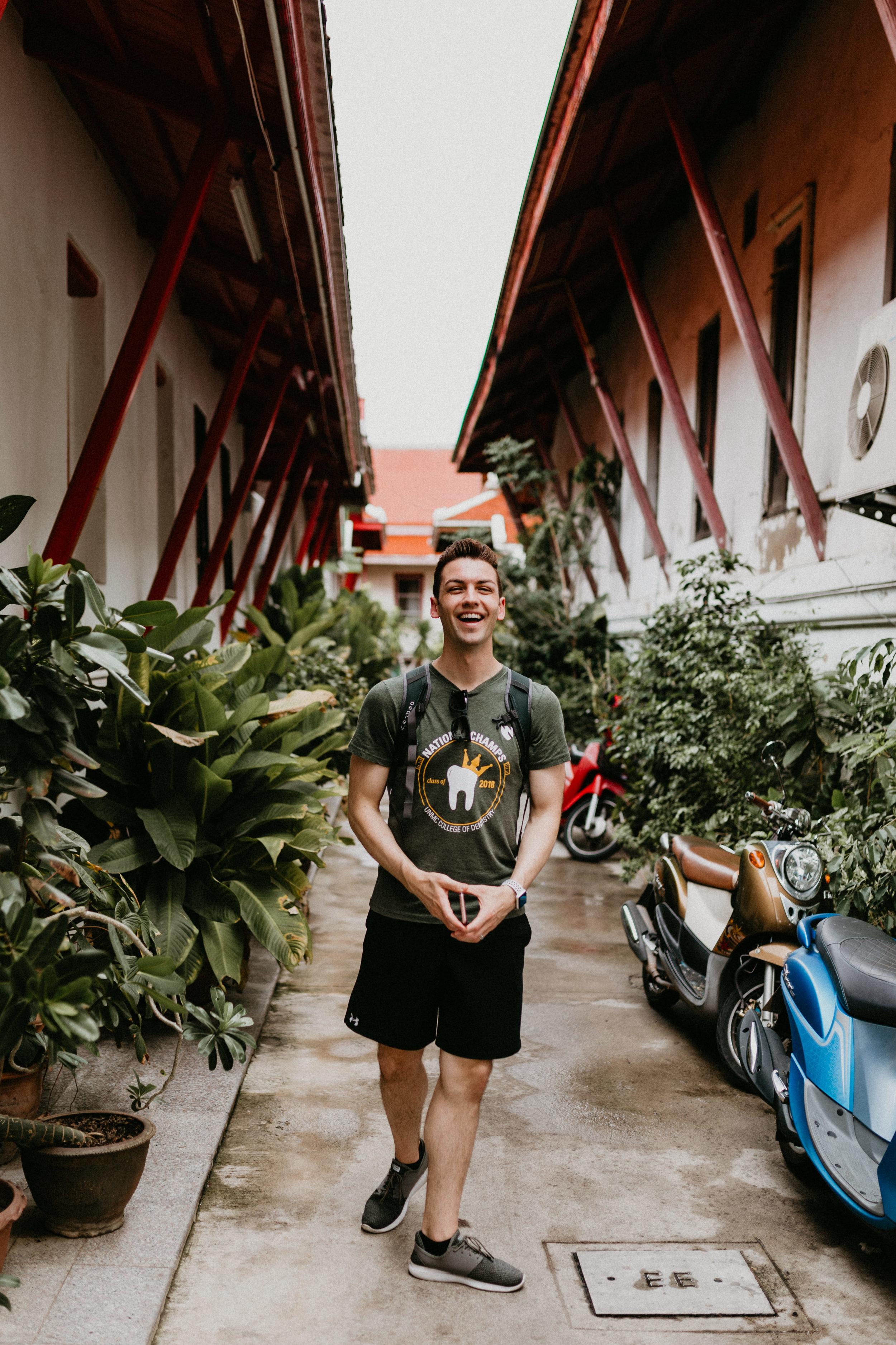 Smiling at Wat Arun temple grounds.jpg