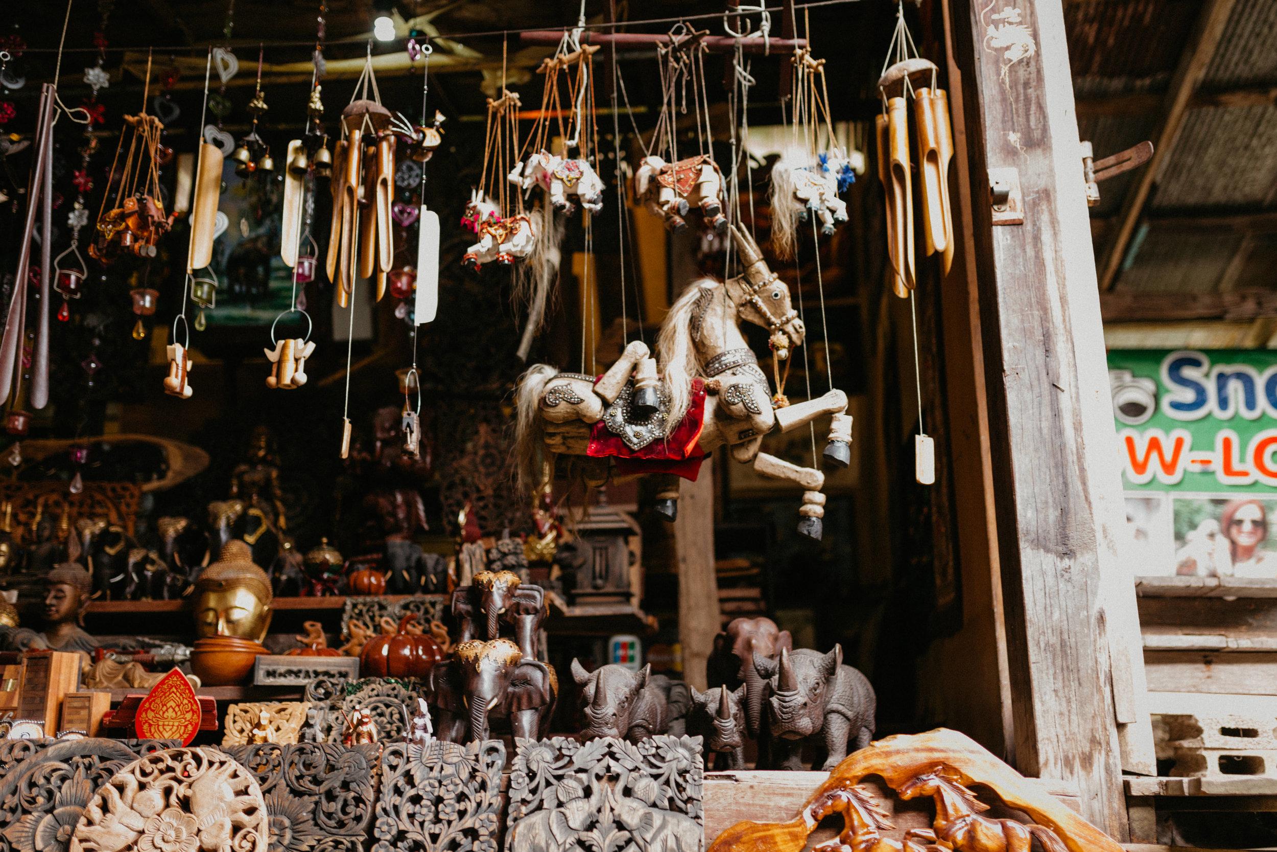 Thai souvenirs at damnoen saduak.jpg